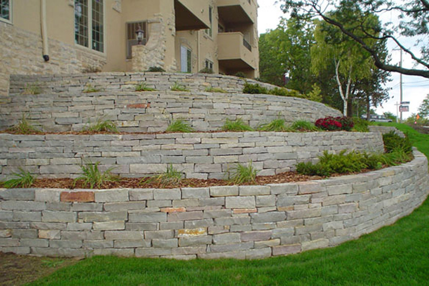 Chilton Splitface Natural Retaining Wall Stone At Benson Co In Rockford Il