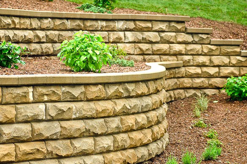 Retaining Wall | Benson Stone Co. | Rockford, IL